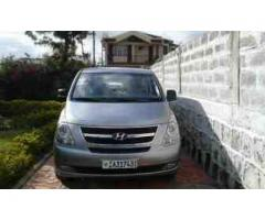 2014 Hyundai H-1 van 12 seat silver air conditioned
